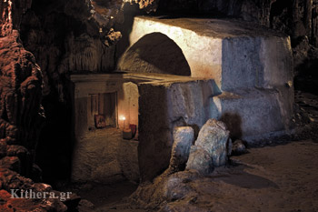 The small temple in the cave